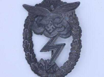 Militaria - Insigne Allemand - Luftwaffe Assault Badge - Endkampfabzeichender