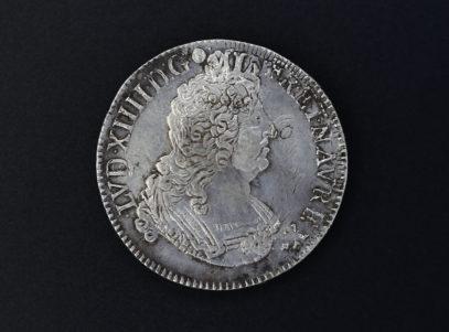 France - 1702 - Louis XIV - Ecu aux Insignes - T (2)_1